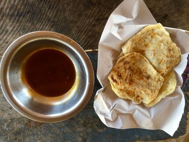 fresh rotti's & spicy sauce